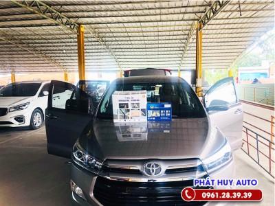 Cửa hít tự động Toyota Innova độc đáo