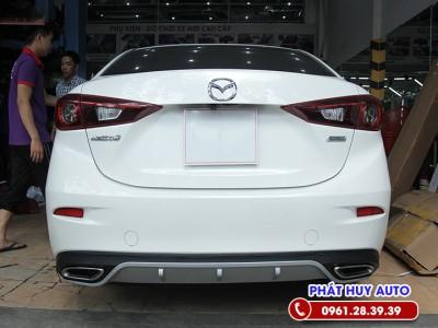 Độ lip chia pô Mazda 3 sang trọng, đẳng cấp kiểu Mercedes