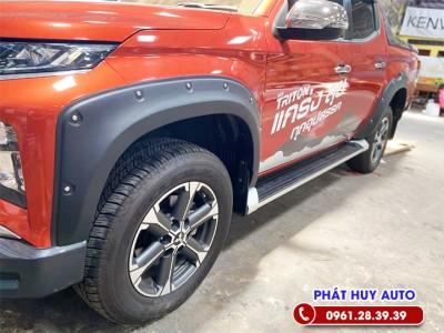 Ốp cua lốp Mitsubishi Triton 2020