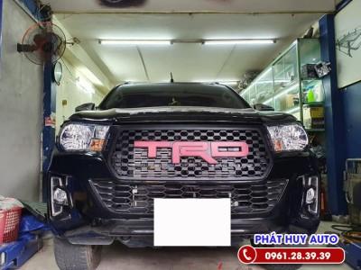 Độ mặt ca lăng Toyota Hilux