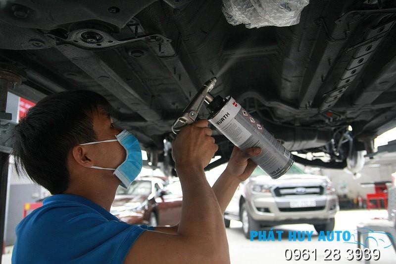 phủ gầm xe Toyota Fortuner