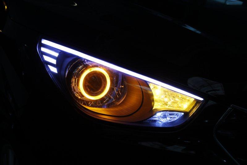 Độ đèn bi xenon mắt quỷ cho ô tô